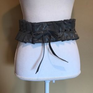 {Kenzie} Bow Front Ruffle Belt